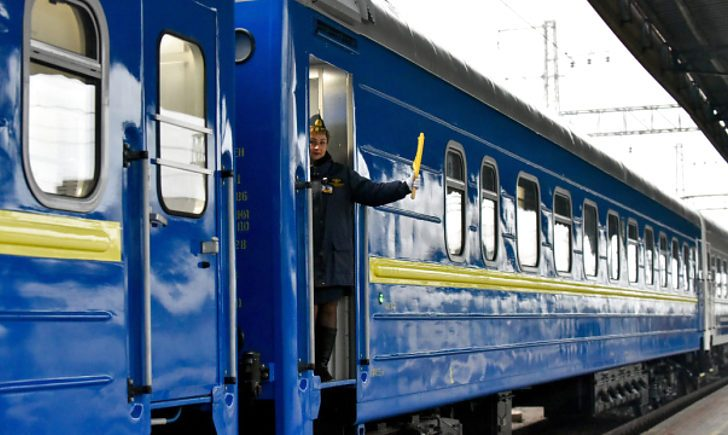 """""""Укрзалізниця"""" призначила додаткові поїзди на новорічно-різдвяні свята"""