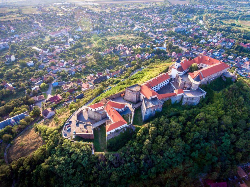 Дорогу до мукачівського замку планують розширити