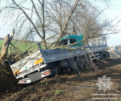 У Мукачівському районі сталась ДТП за участі вантажівки