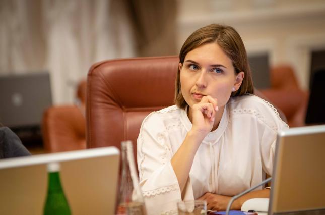 Міністерка освіти вважає, що в Україні занадто багато вчителів і пропонує закривати сільські школи