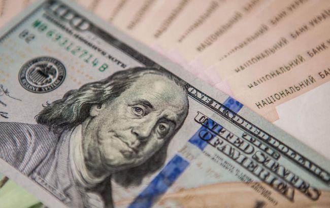 Курс долара може впасти: експерт назвав умову