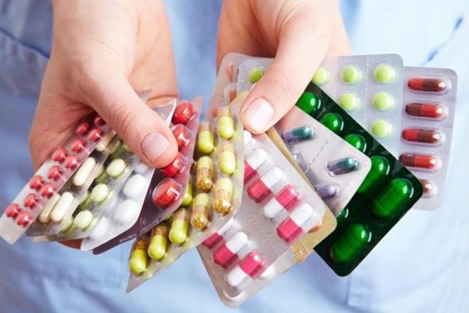 Закарпатців запитали, яким лікам вони довіряють більше: українським чи закордонним