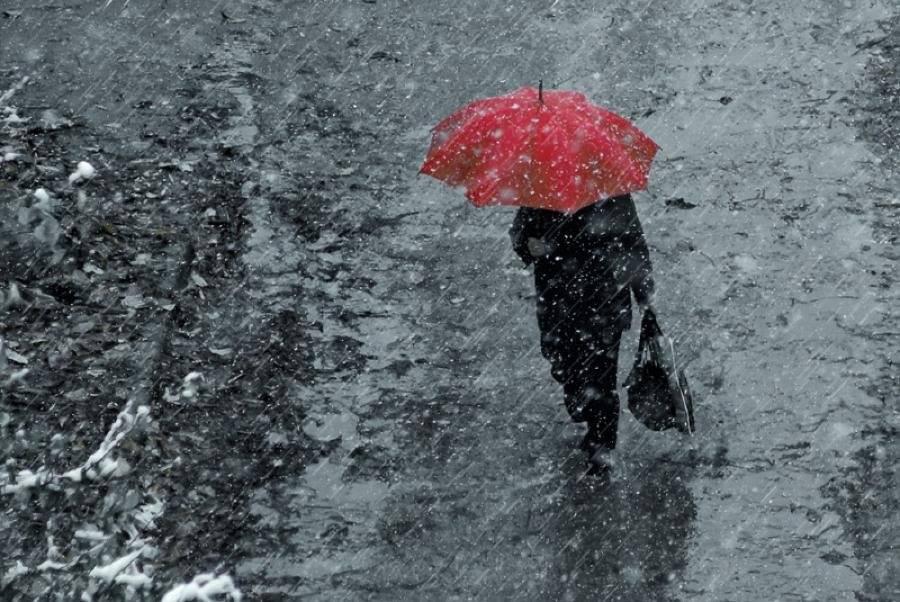 Закарпаття накриє негода: очікують сильний дощ та посилення вітру