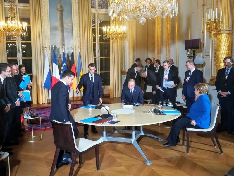 Нормандський саміт: ввечері відбудеться двостороння зустріч між Зеленським і Путіним