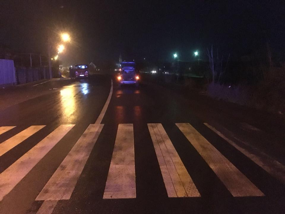 В Ужгороді на пішохідному переході автомобіль збив чоловіка