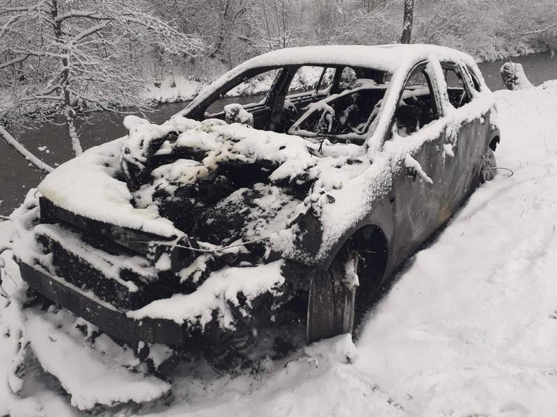Після того, як чоловік завів двигун машини, спалахнула пожежа
