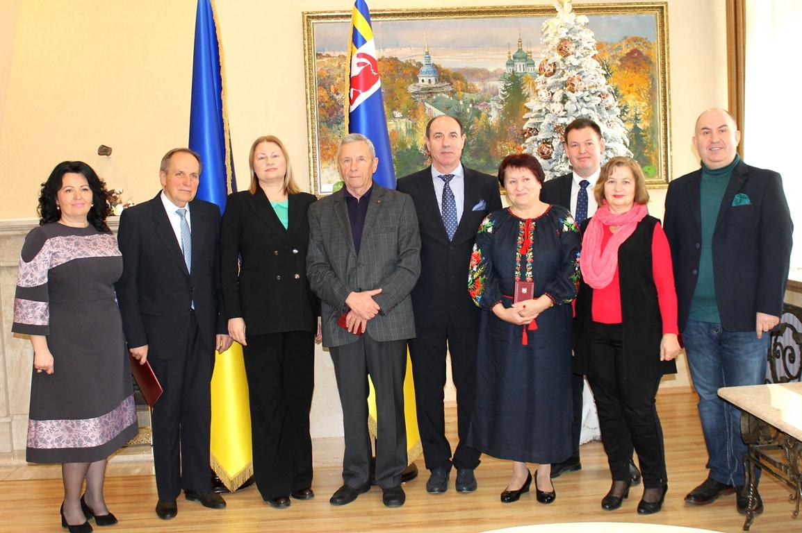 Президент Зеленський відзначив кількох закарпатців