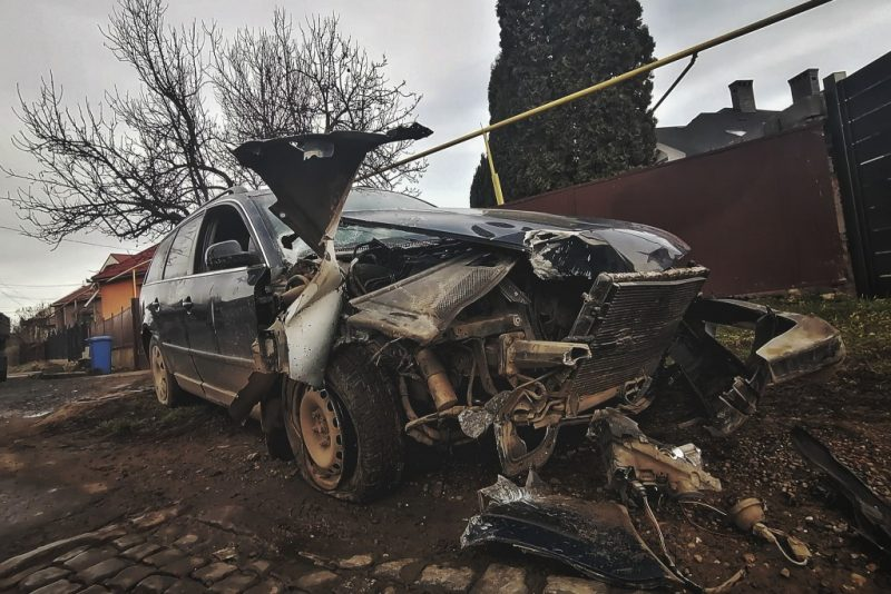 Машина перетворилась на металобрухт: у Мукачеві сталась ДТП