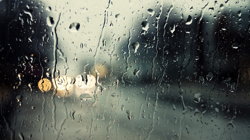 Значні дощі і сильний вітер: синоптики дали прогнози на початок тижня