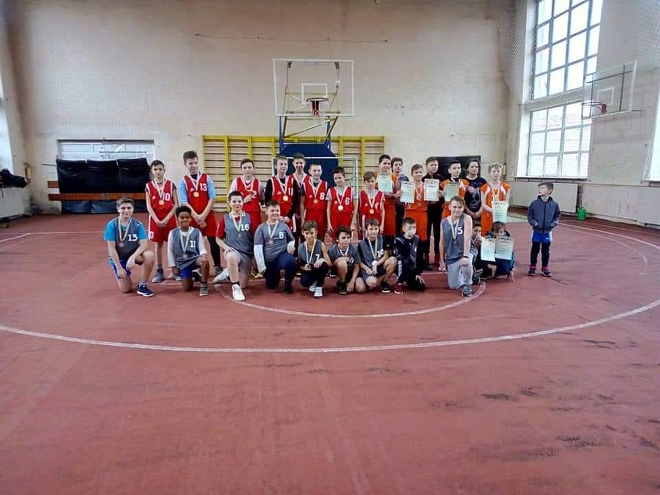 У Мукачеві провели новорічний баскетбольний турнір