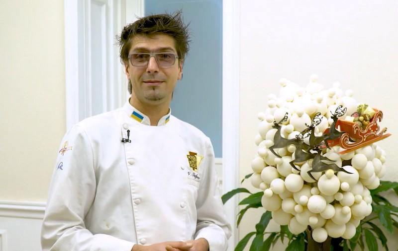 Кондитер Валентин Штефаньо розповів про шоколадну скульптуру, яку створив до свят