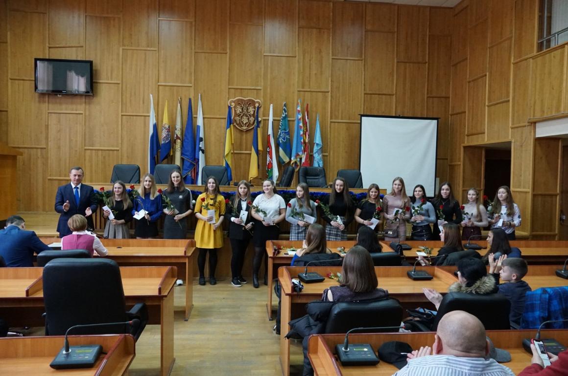 Кращі спортсмени і тренери Ужгорода отримали грошові винагороди