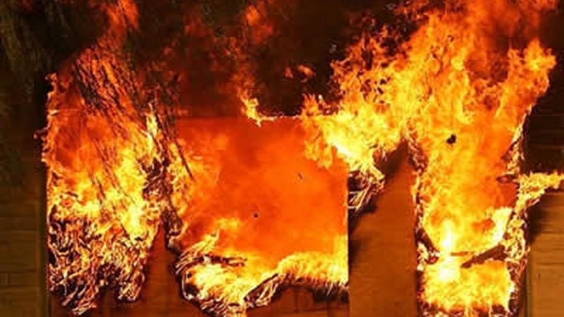 На Хустщині спалахнула літня кухня