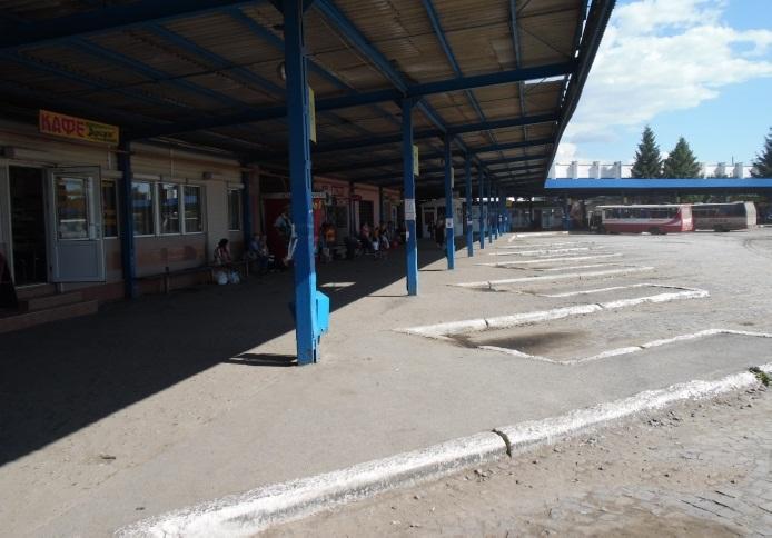 У Мукачеві на автовокзалі стався прикрий випадок. Жінка просить допомогти
