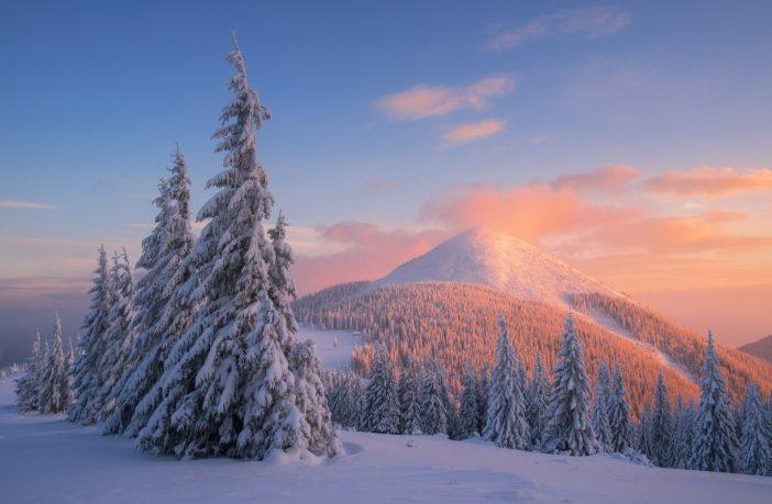 У Карпатах випало понад 60 сантиметрів снігу