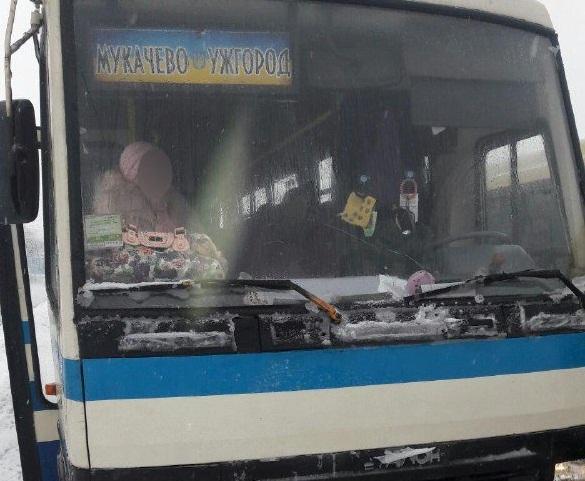 У Мукачеві сталась аварія за участі рейсового автобуса