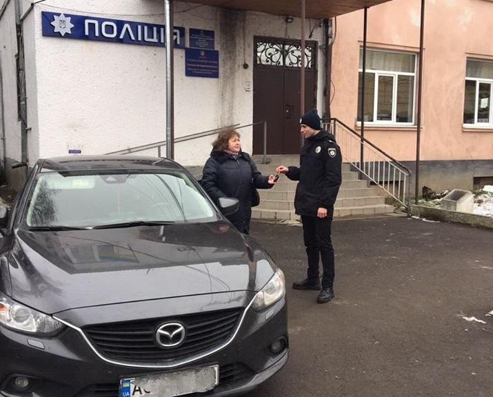 У жительки Чинадієва вкрали автомобіль