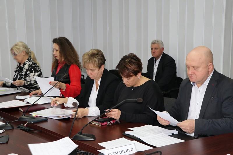 Чисельність працівників у РДА області скоротили на 40%