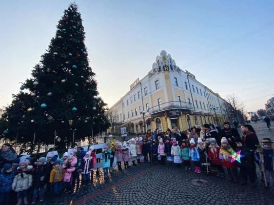Маленькі мукачівці влаштували свято у центрі міста