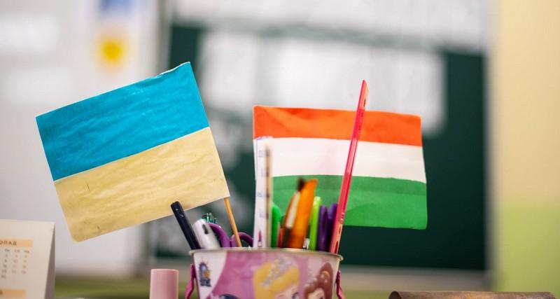 Верховна Рада схвалила закон про середню освіту і пішла на поступки Угорщині