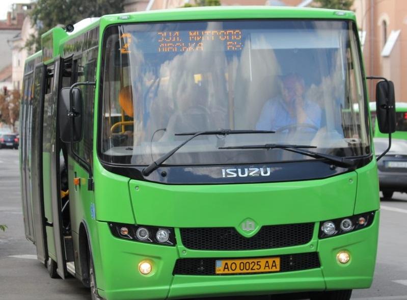 Новий тариф: проїзд у міських автобусах Мукачева з березня може коштувати 7 гривень