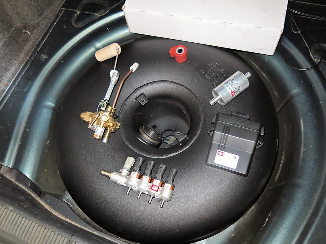 МВС пропонує запровадити обов'язковий техогляд для автомобілів із газовою установкою