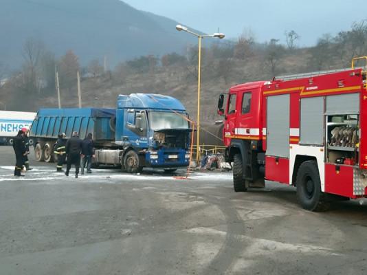 На Свалявщині сьогодні горіла вантажівка