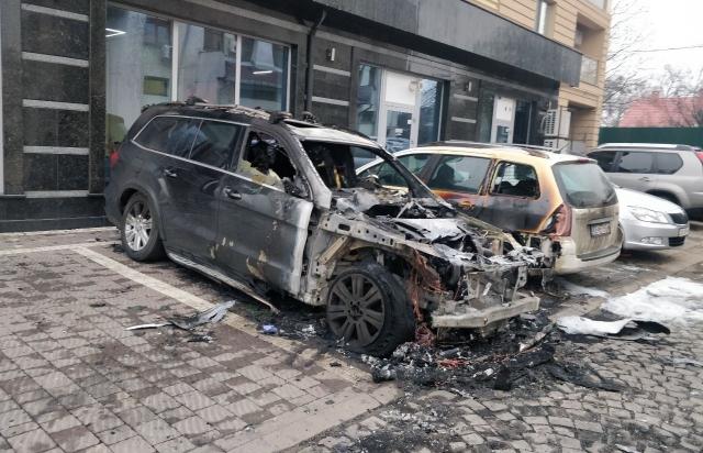 В Ужгороді вщент згорів автомобіль