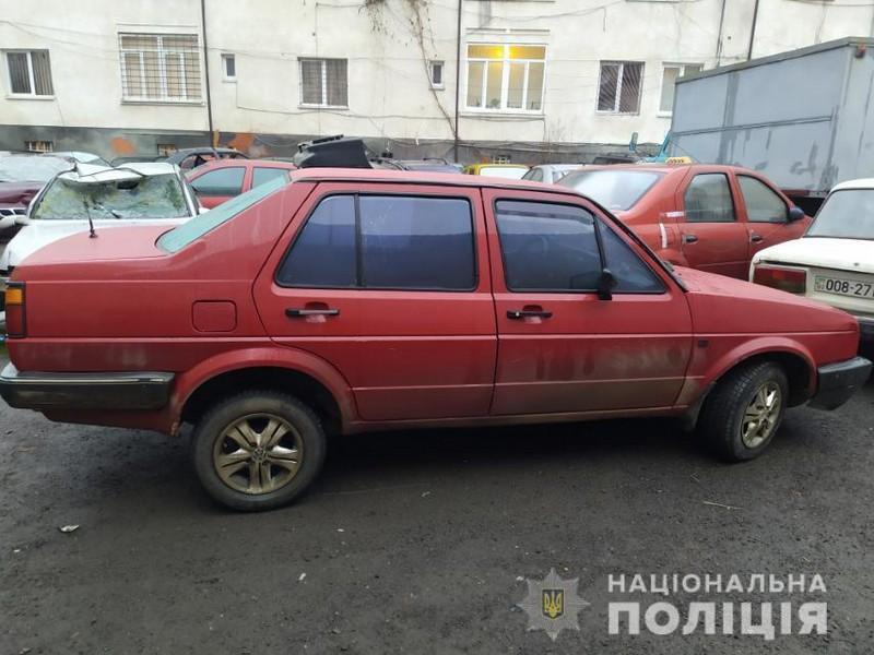Поліція знайшла водія, який збив хлопця і залишив його помирати посеред дороги у селі Нанково