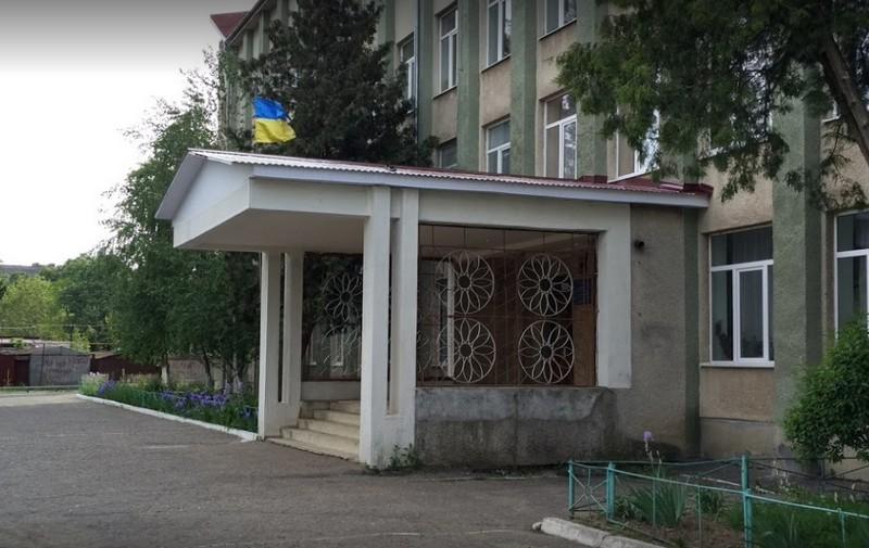 Батьки учнів Мукачівської школи №10 просять у Президента підтримки