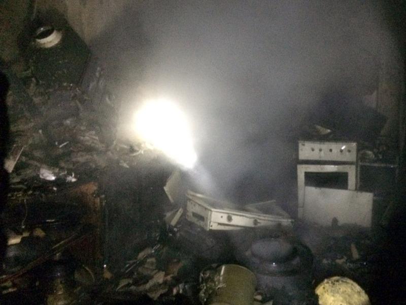 У Виноградові загорівся будинок, в якому перебували літнє подружжя, їхній син та онук