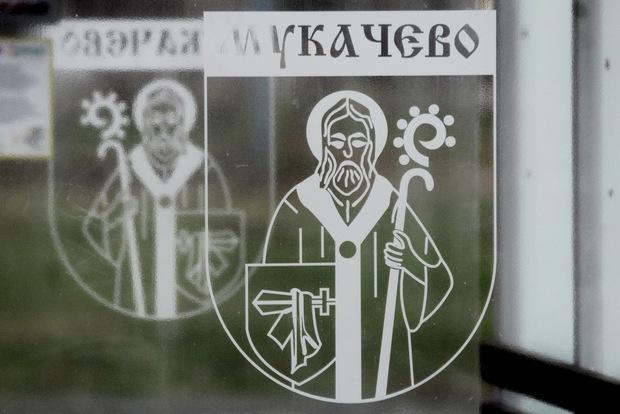 У Мукачеві встановлять 13 автобусних зупинок
