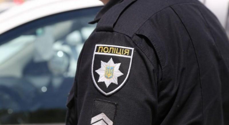 У Мукачеві майор поліції вимагав гроші у людей