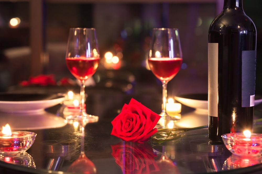 До Дня закоханих на Закарпатті розігрують вечерю на двох у ресторані: умови