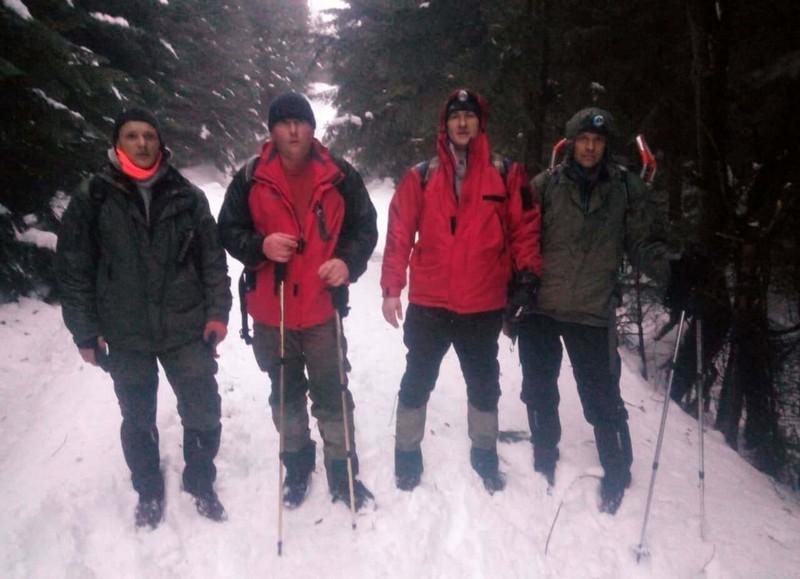 У горах до пізнього вечора шукали туриста, який заблукав
