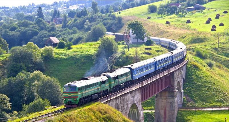 На Закарпаття їздитимуть два нові потяги