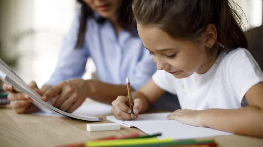 З понеділка у закладах освіти Мукачева відновлюється навчання