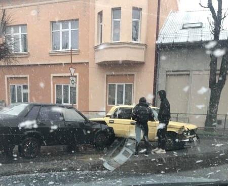 У Мукачеві 14 лютого трапилась ДТП. Утворились затори