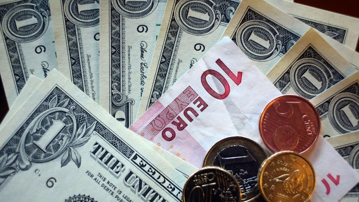 Очікується зниження курсу долара,— експерти