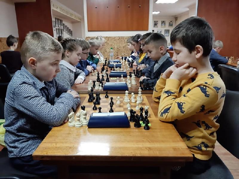 У Мукачеві змагалися юні шахісти