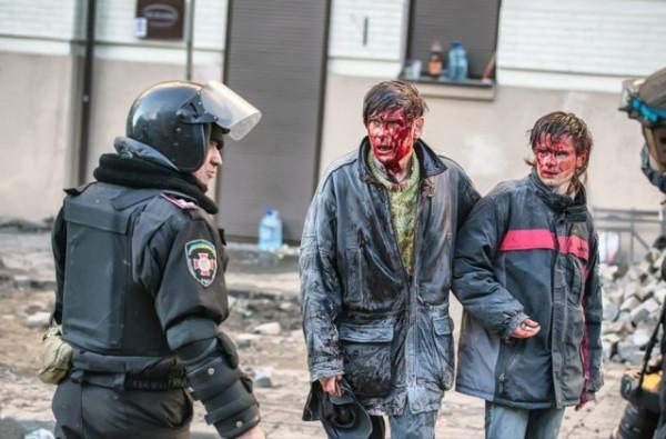 Сім років з трагічного ранку 18 лютого: 25 вражаючих фото з Майдану
