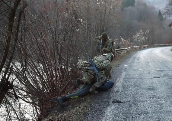 Прикордонники затримали двох водолазів-контрабандистів