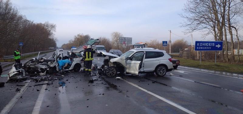 Вчора у моторошній аварії в селі Конюхів загинули закарпатці: оприлюднено нові подробиці автотрощі на Львівщині