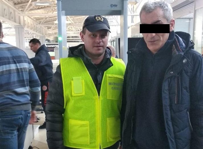 Незаконний мігрант, якого виявили в області, покинув територію України