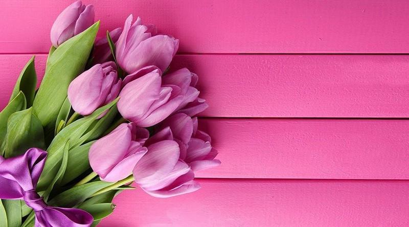 Що можна подарувати дружині, мамі, дівчині, вчительці на 8 Березня? Ідеї подарунків
