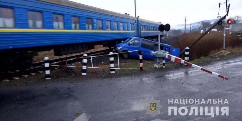На Закарпатті трапилась аварія: багато постраждалих