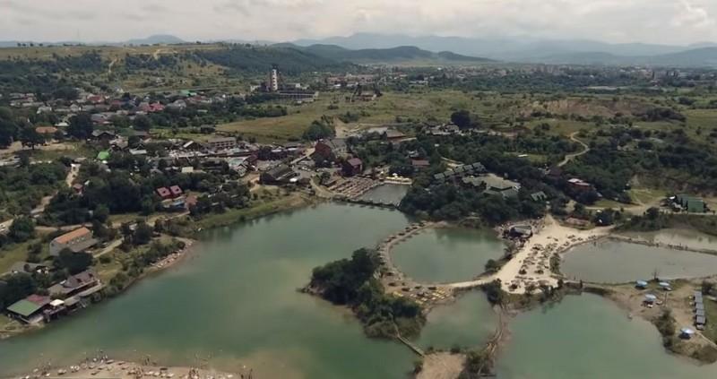 Чоловік незаконно привласнив землю біля озера у Солотвині