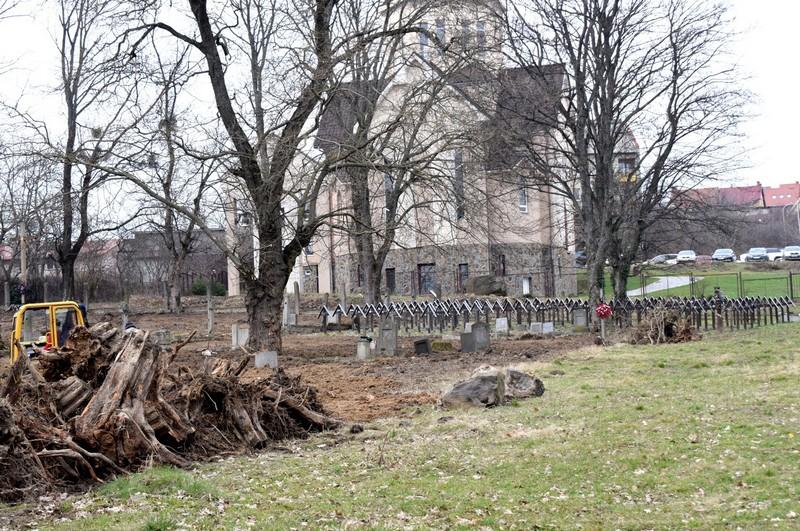 В Ужгороді на закритому для поховань кладовищі встановлять меморіал