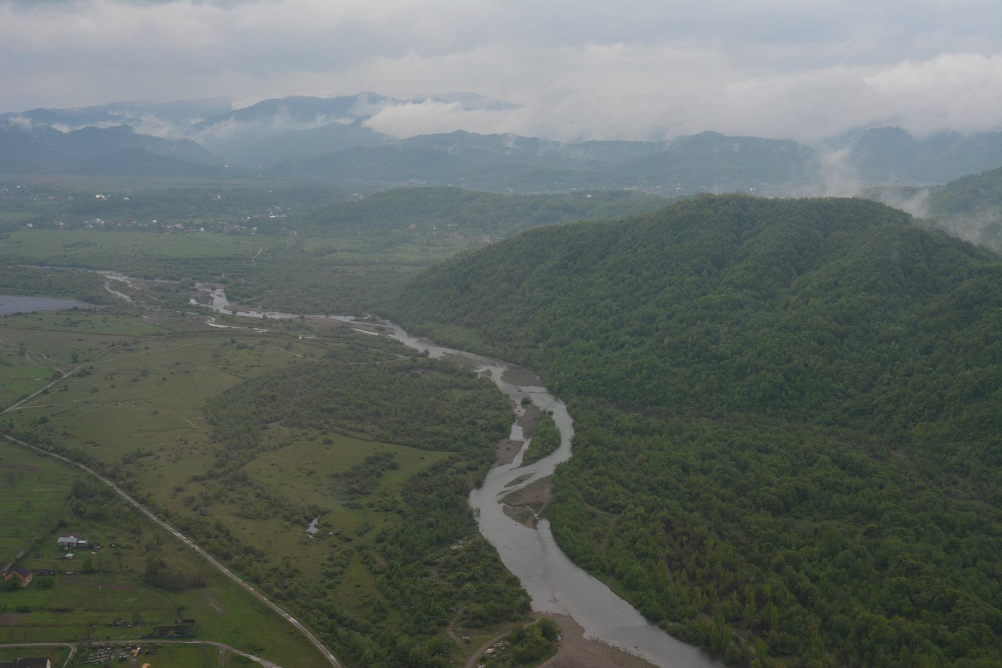 На річках Закарпаття підвищений рівень води