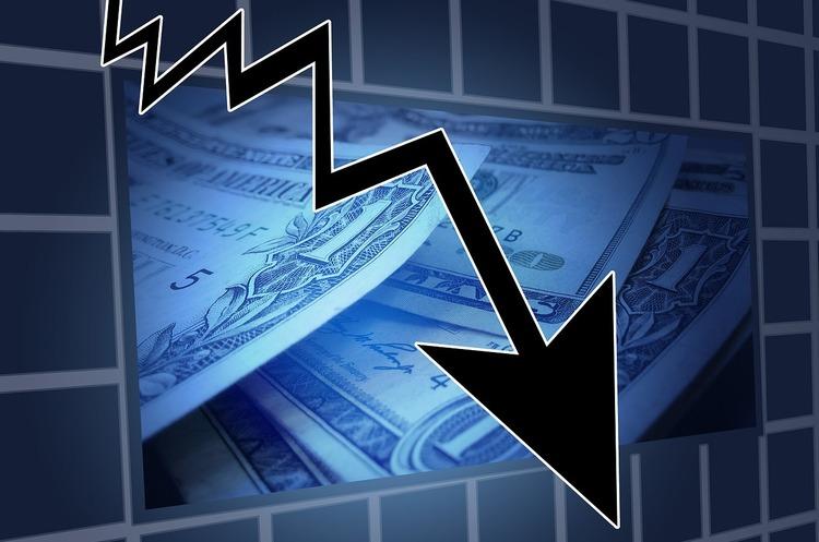 Як обвал цін на нафту вплине на економіку України, курс валют та ціни на бензин
